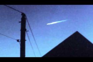 CALIFORNIA METEORA NASCONDE UFO GEN.2015