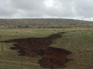 crepa-gigantesca-si-e-aperta-in-sud-africa-foto-1