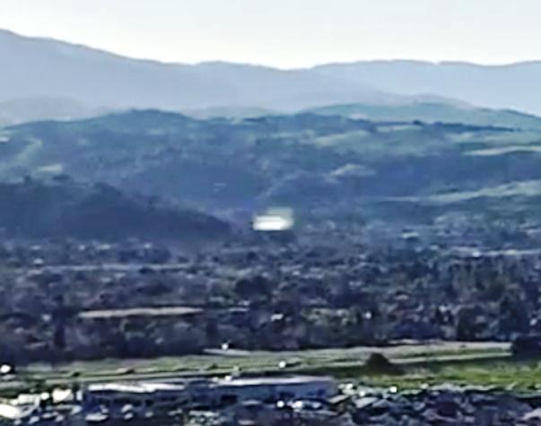 DRONE RIPRENDE UFO IN CALIFORNIA 08 MARZO 2015