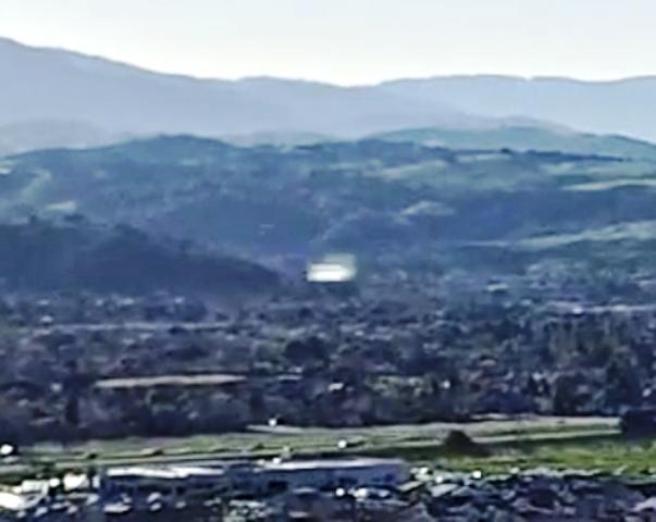 DRONE RIPRENDE UFO IN CALIFORNIA 08 MARZO 2015 silicon valley foto 1