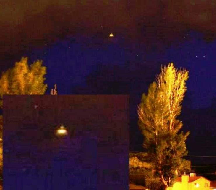 FOTOGRAFATO UFO IN FLORIDA IL 15 MARZO 2015