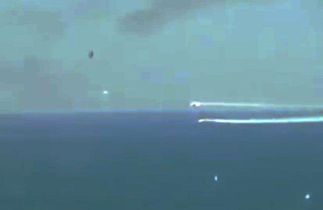 RIPRESI 2 UFO DURANTE INCIDENTE AEREO NELL' ADRIATICO