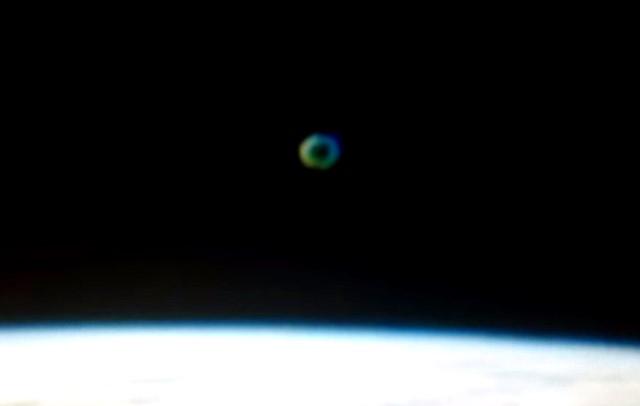 SKYWATCHER AVVISTA UFO VICINO ALLA ISS MARZO 2016