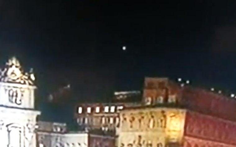 ROMA UFO SUL VATICANO DOPO ELEZIONE PAPA FRANCESCO 13.03.2013