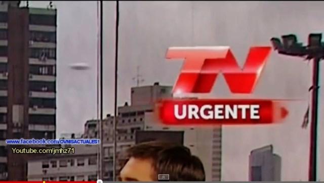 UFO RIPRESO DURANTE TRASMISSIONE TV 01 MARZO 2015 foto 1