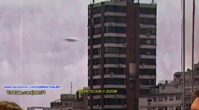 UFO RIPRESO DURANTE TRASMISSIONE TV 01 MARZO 2015