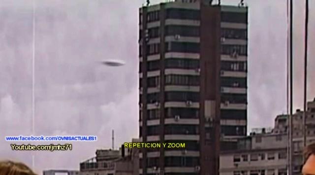UFO RIPRESO DURANTE TRASMISSIONE TV 01 MARZO 2015 foto 2