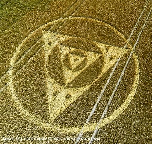 cerchio nel grano comparso nel wiltshire Etchilhampton-Hill il 27 luglio 2014 foto 1