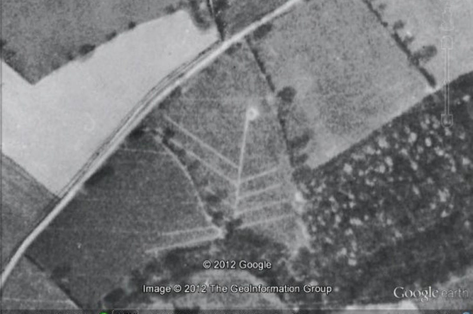 crop circle 1945 durante seconda guerra mondiale foto 4jpg