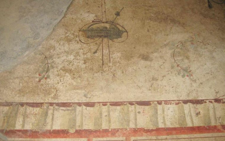 MISTERIOSO UFO RAFFIGURATO A POMPEI ?