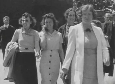 USA UNA DONNA CON UN CELLULARE NEL 1938